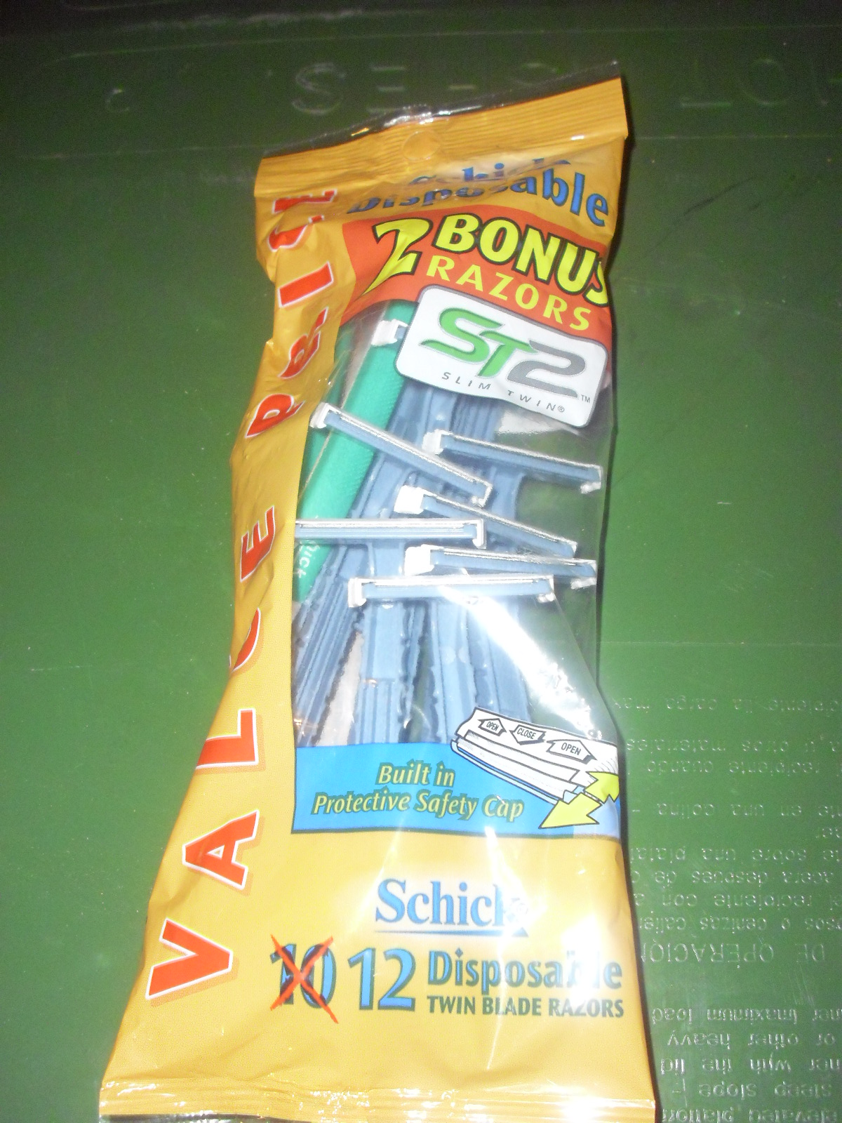 schick-disposable-razor.jpg